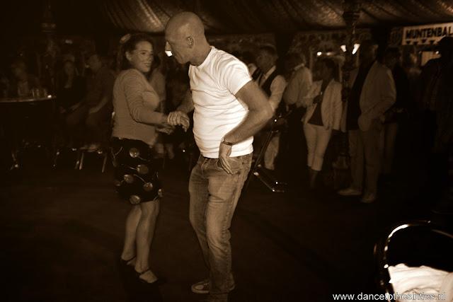 Naaldwijkse Feestweek Rock and Roll Spiegeltent (9).JPG