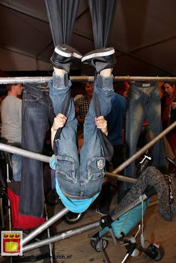 Tentfeest voor kids Overloon 21-10-2012 (10).JPG
