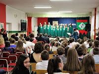 08 Az iskola tanulói kultúrműsorral emlékeztek.jpg