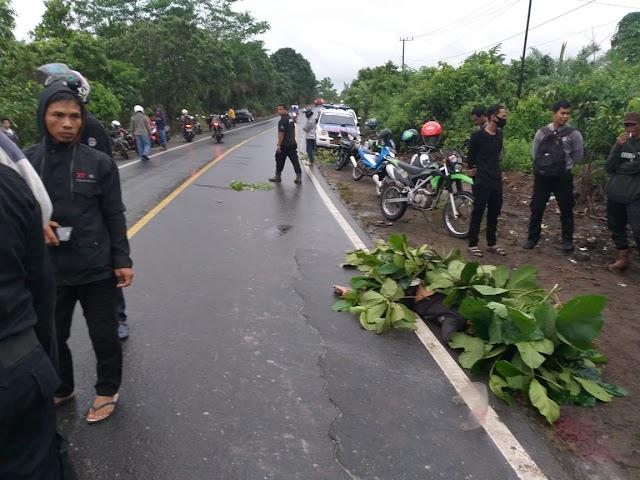 Tewas di Tempat, Terlempar Dari Sepeda Motor Dilindas Mobil
