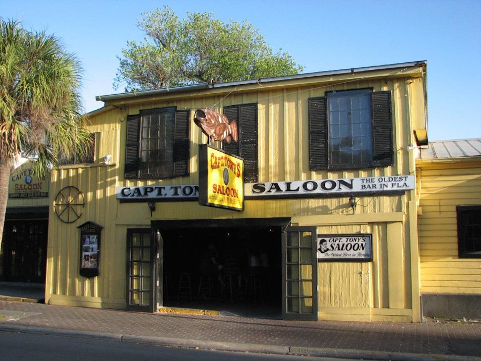 captain-tonys-saloon-5