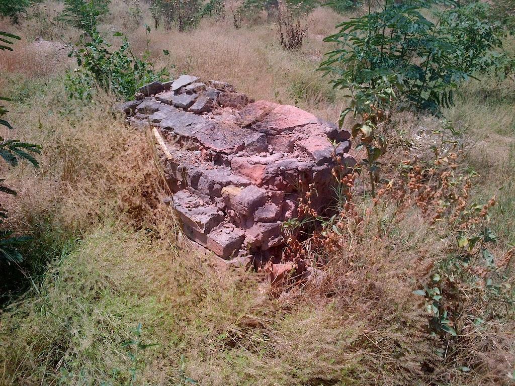 Tehkal Cemetery in Shambles 1