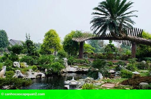 Hình 1: Tiểu cảnh đẹp mê ly trong sân vườn nhà sao Việt