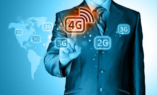 Businessman pushing 4g