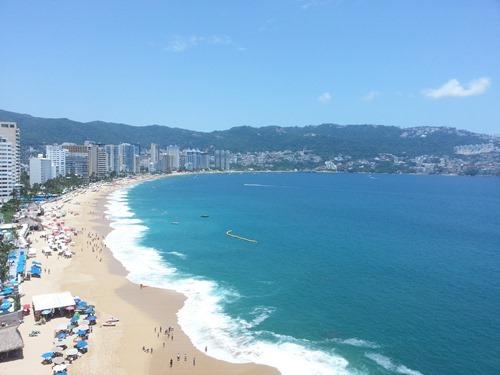Vista_desde_un_hotel_en_Acapulco