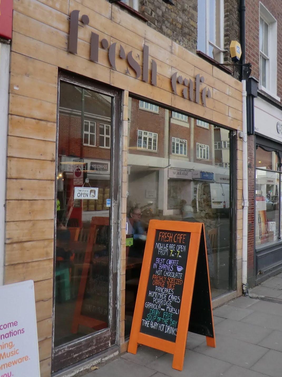 CIMG2059 Fresh Cafe, Barnes High Street
