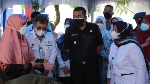 Wagub Sumbar Audy Joinaldy Tinjau Vaksinasi Ibu Hamil di RSUP dr. M. Djamil Padang