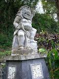 Statue of god, Pura Goa Lawah (© 2009 Bernd Neeser)