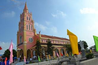 Cung hiến nhà thờ giáo xứ Hoàng Mai