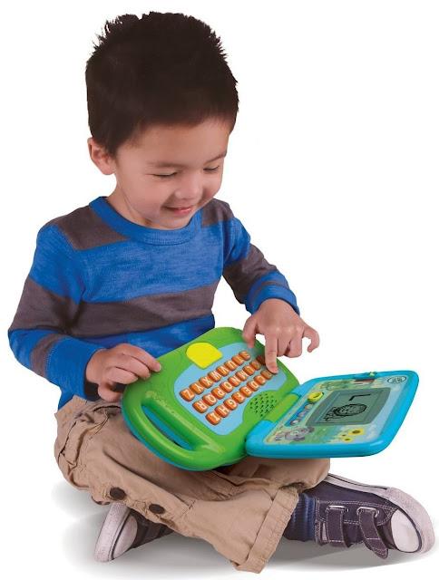 Laptop của bé LeapFrog rất gọn nhẹ nên có thể mang tới bất cứ nơi đâu