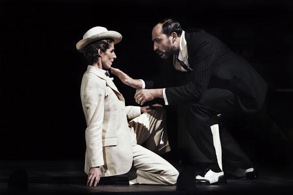 Beatriz Argüello y Daniel Albaladejo en Noche de Reyes de William Shakespeare