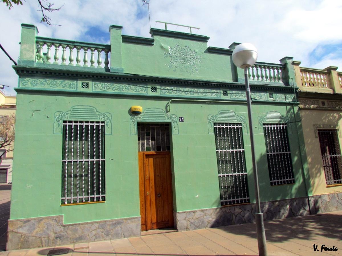 Conjunto de casas baratas barcelona modernista - Construccion de casas baratas ...