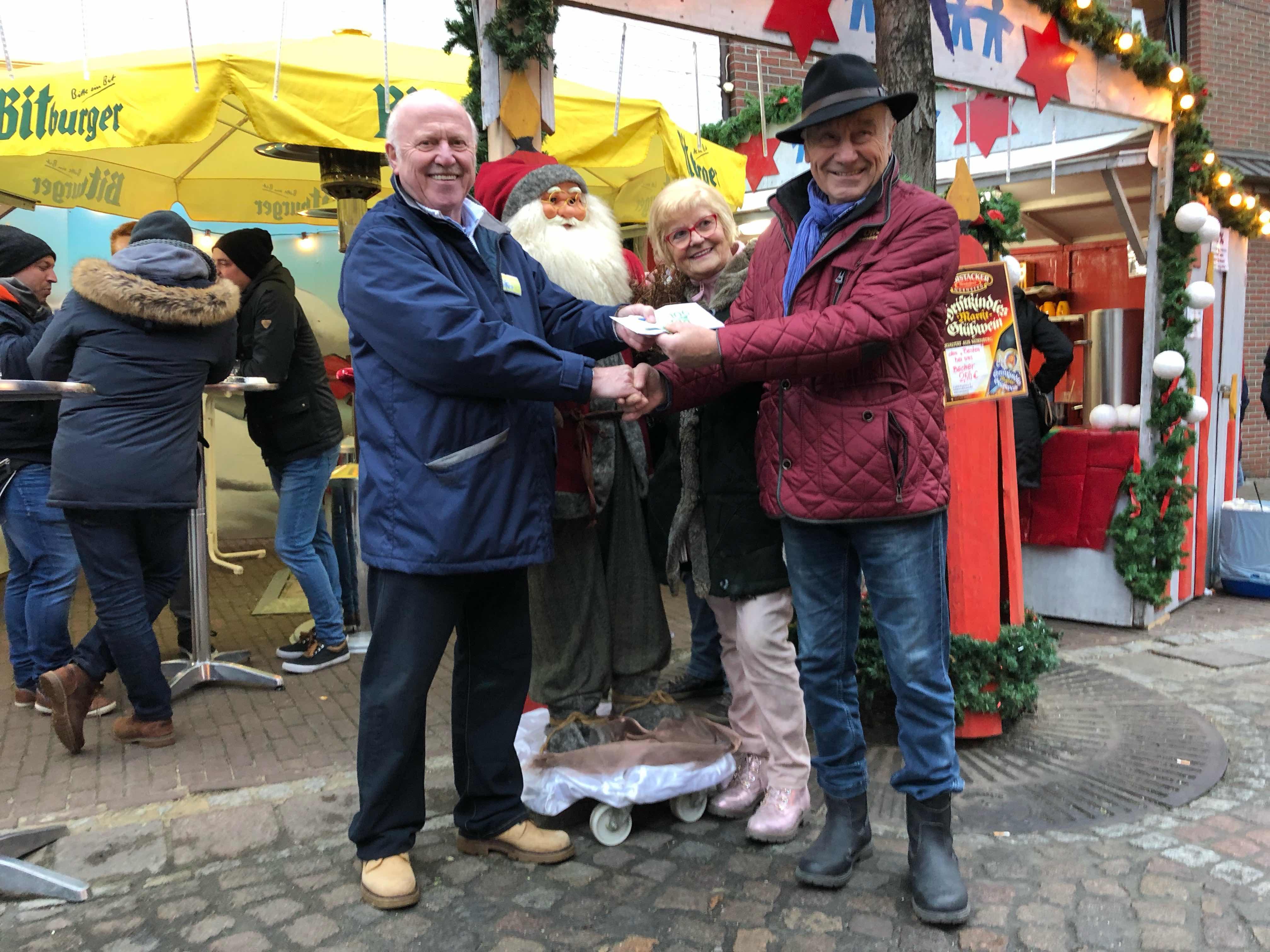 Besuch Auf Dem Weihnachtsmarkt.Netter Besuch Auf Dem Weihnachtsmarkt In Wassenberg Westreporter