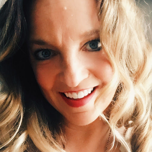 Jennifer Mckenzie Photo 27