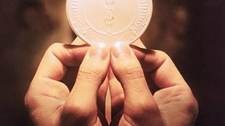 Vì muôn người (06.6.2021 – Chúa Nhật 10 TN - Lễ Mình Máu Thánh Chúa Kitô, năm B)