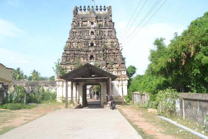 Sri Uthavedeeswarar Temple, Thiru Thuruthi (Kuttalam), Mayiladuthurai - 275 Shiva Temples