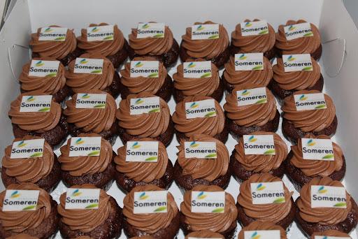 768- Cupcakes chocolade logo.JPG