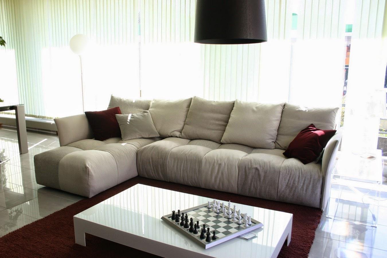 Soggiorni e salotti moderni arredo per la tua casa for Divani d arredo