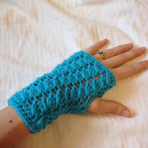 Crocheted Fingerless Mittons