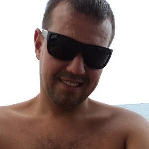 Андрей Азаренко