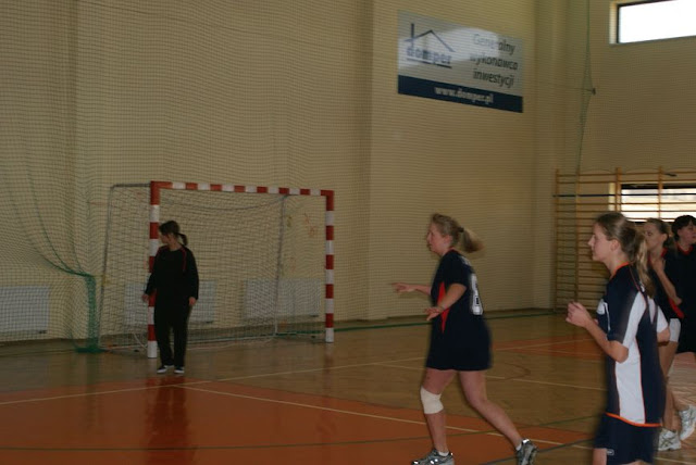Piłka ręczna zowody listopad 2011 - DSC03913_1.JPG