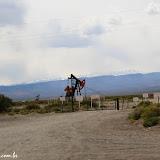 Poços de petróleo a caminho de Malargue, Argentina
