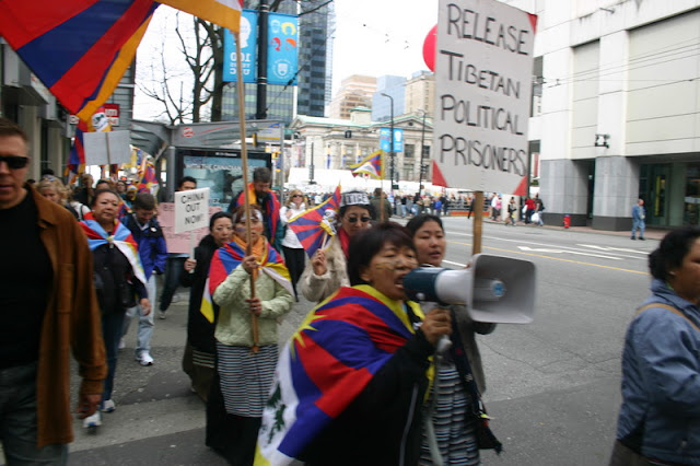 Global Protest in Vancouver BC/photo by Crazy Yak - IMG_0161.JPG