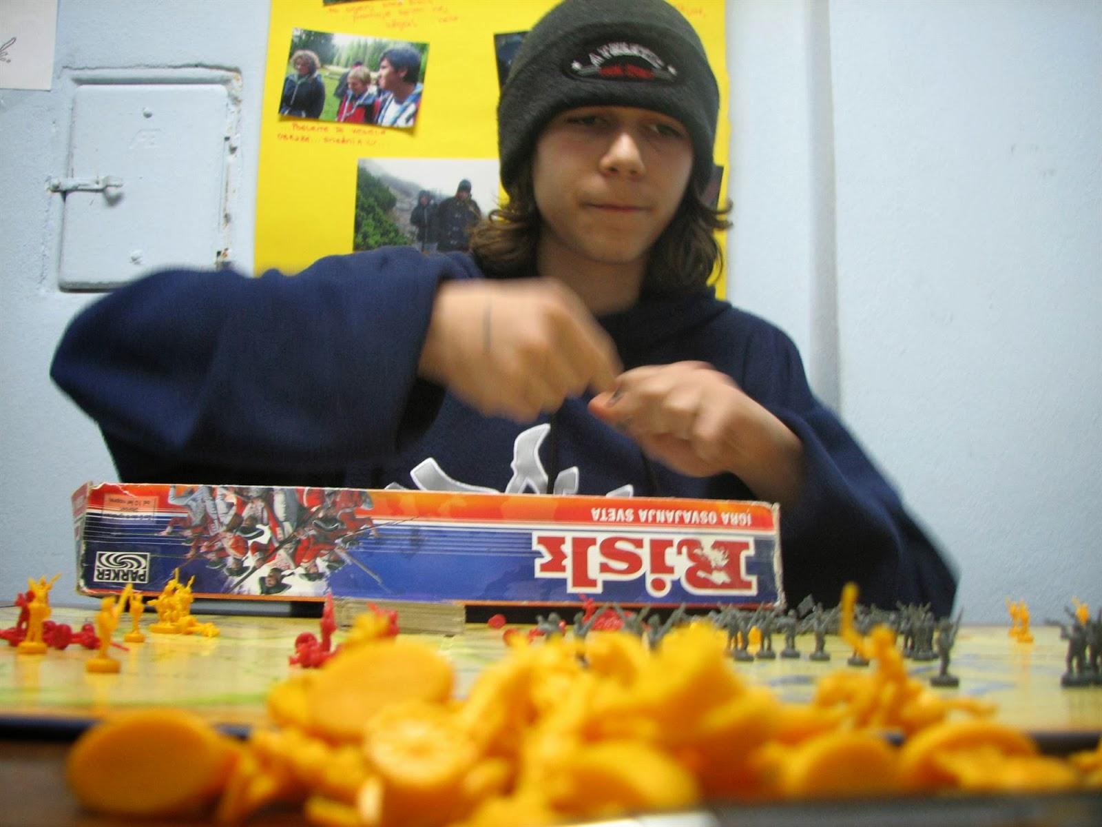 Večer družabnih iger, Ilirska Bistrica 2006 - vecer%2Bdruzabnih%2Biger%2B06%2B024.jpg