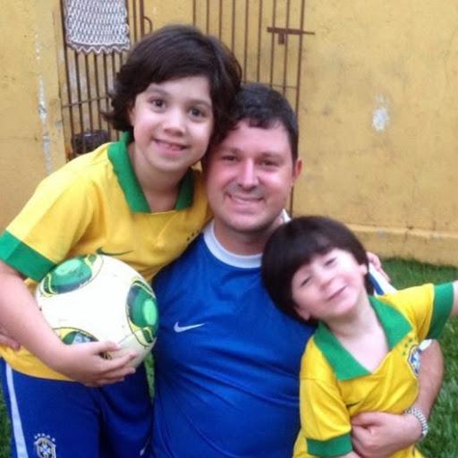 Eduardo A Pazim
