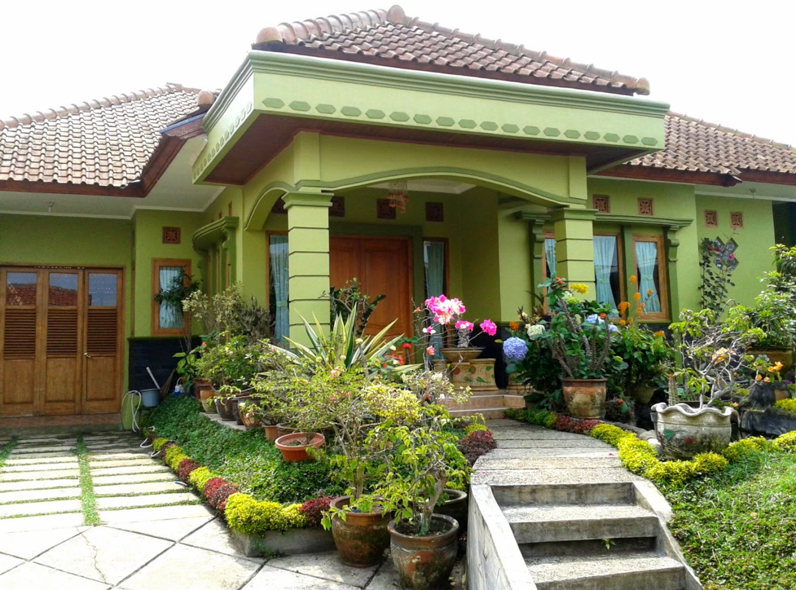 Foto Rumah Idaman Gallery Taman Minimalis