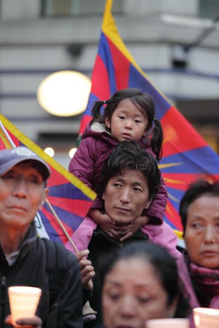 10/19/11 Tibet is Burning! Candle Vigil for Tibet - cc%2B016110-19%2BTibet%2B72dpi.jpg