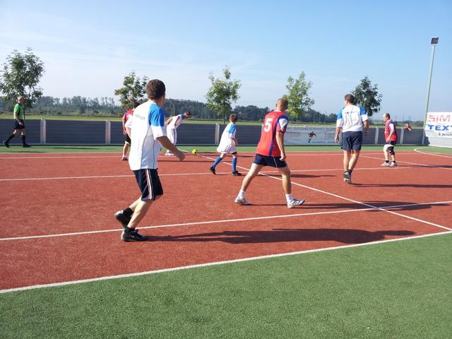 ČSFA - rodinný turnaj 2011 (záver) - 2011-09-24%2B09.54.07.jpg