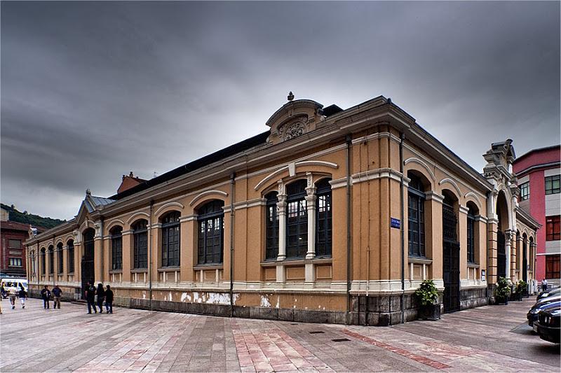 Ruta literaria: El palacio azul de los ingenieros belgas