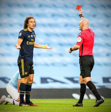 David Luiz berpeluang besar pecahkan rekor pelanggaran di kotak penalti
