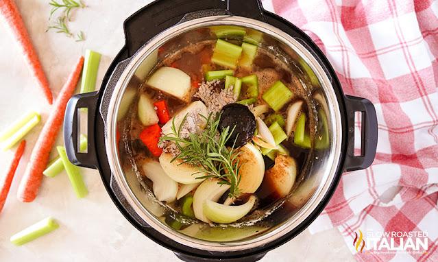 beef stew in pressure cooker vegetables
