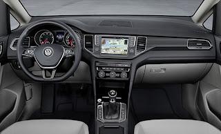 2014-VW-Golf-Sportvan-konsol