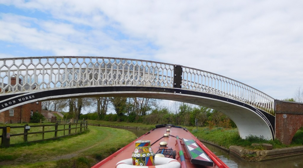 [10-pretty-braunston-bridge5]