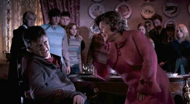 Há 26 anos Harry Potter cumpria sua última detenção com Dolores Umbridge
