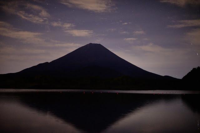 夜の精進湖