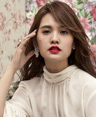 Rainie Yang / Yang Chenglin  Actor
