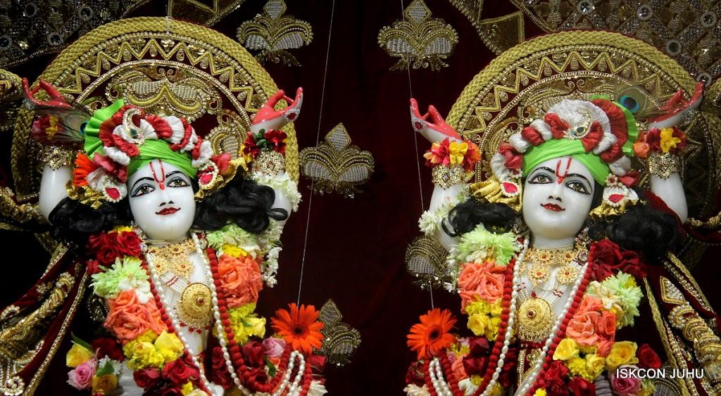 ISKCON Juhu Sringar Deity Darshan on 5th Aug 2016 (53)