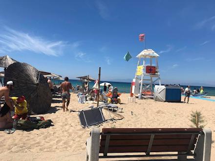 Ανεμοστρόβιλος στην παραλία Νέα Μουδανιά με δύο τραυματίες