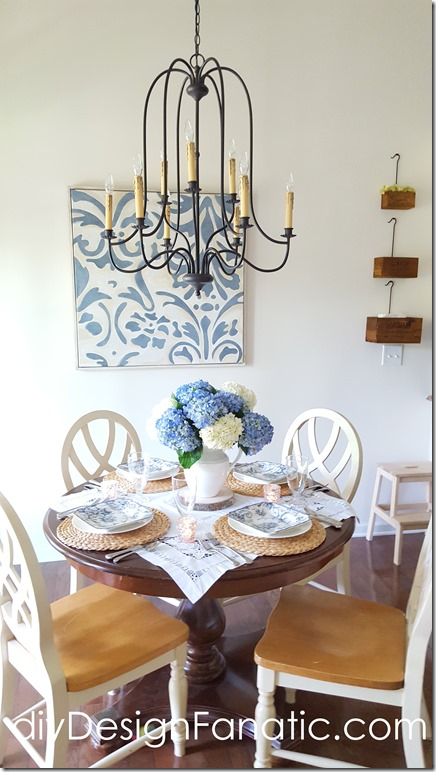 blue and white tablescape, hydrangeas, breakfast room, diyDesignFanatic.com