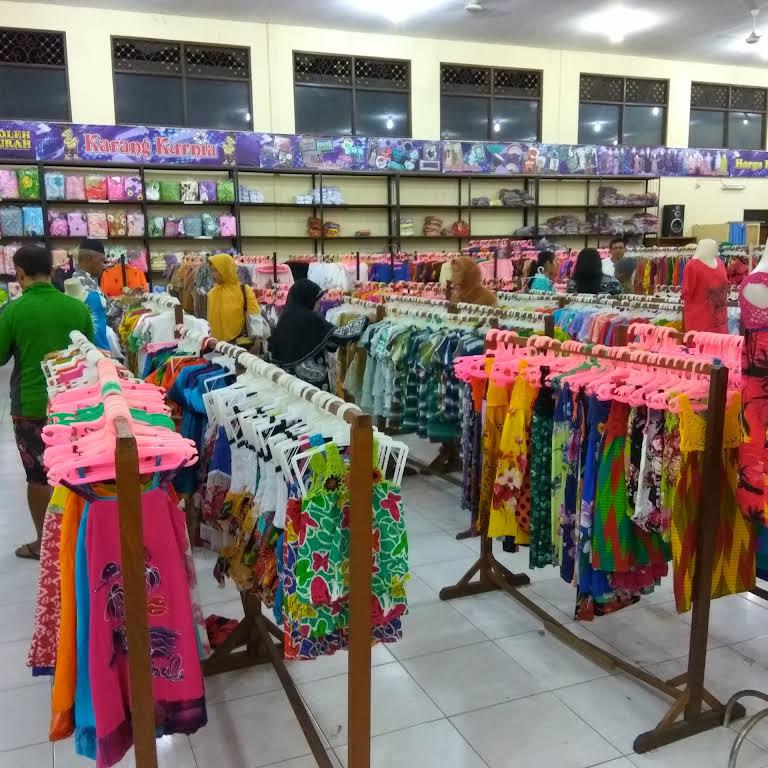 Karang Kurnia Toko Pakaian