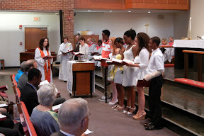 Confirmands taking their vows
