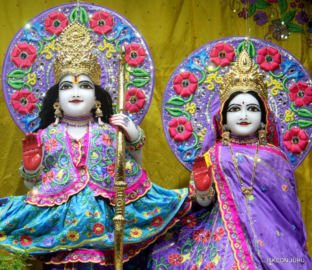 ISKCON Juhu Mangal Deity Darshan on 10th July 2016 (9)