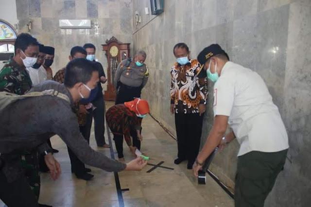 Kabar baik! Masjid Agung Purwakarta mulai gelar shalat jumat kembali