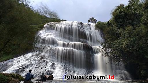 Curug Cirajeg Sukabumi Bertipe Block Waterfall, Horsetail Waterfall, Tiered Waterfall