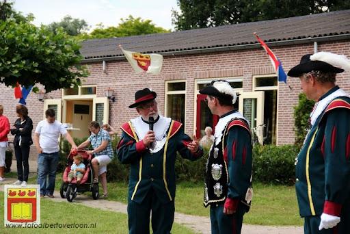 Koningschieten Sint Theobaldusgilde overloon 01-07-2012 (7).JPG