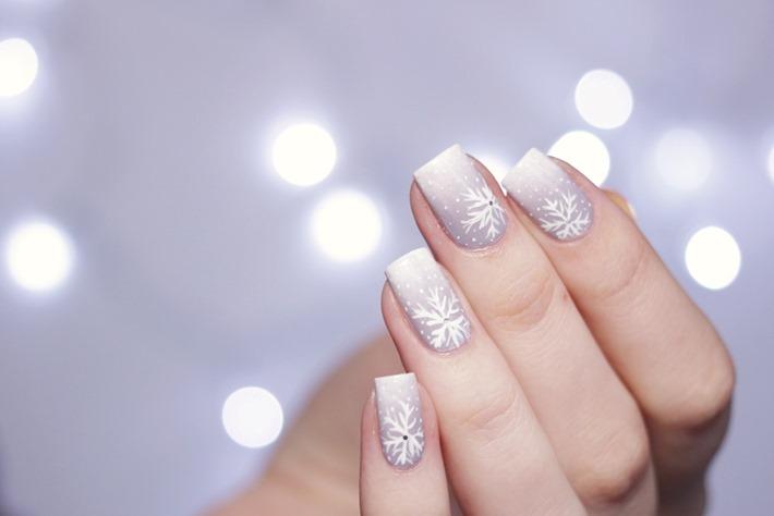 Weihnachtliches-Nail-Design-Essence-einfach-1